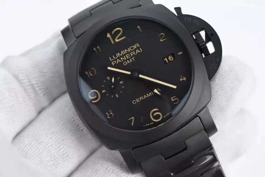 Replica-Panerai-Luminor-GMT-Ceramica