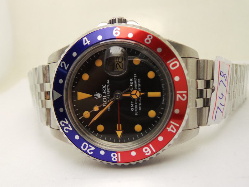 Rolex-GMT-Master-Blue-Red-Bezel
